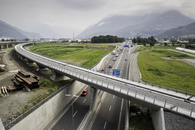 AlpTransit, Nodo di Camorino, viadotto Bellinzona-Lugano e Sottopasso strada cantonale, 2015 © CIPM-F. Banfi
