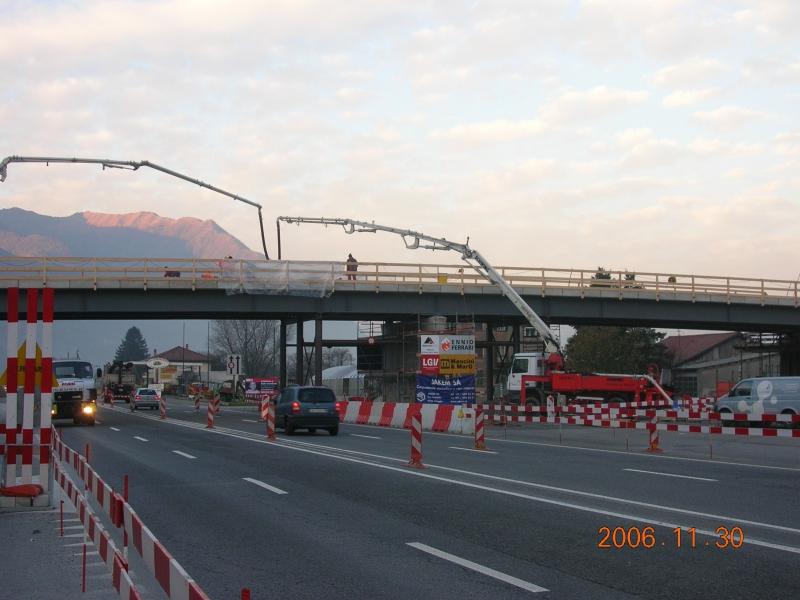 AlpTransit, Nodo di Camorino, Ponte provvisorio sulla strada cantonale, 2006 © F&P