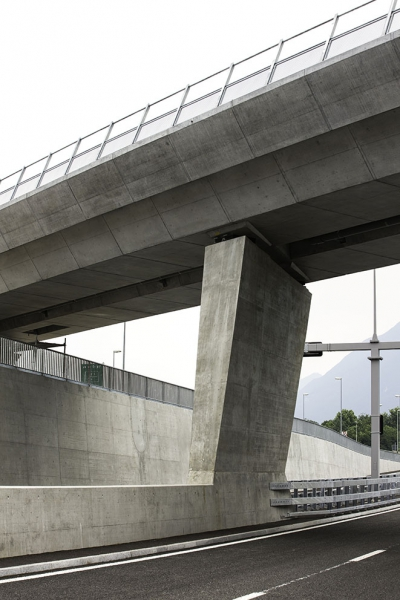 AlpTransit, Nodo di Camorino, Viadotto Bellinzona-Lugano e Sottopasso strada cantonale, 2013 © CIPM-F. Banfi